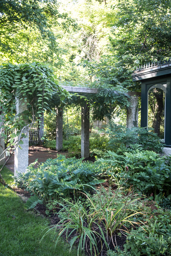John de Lellis Gardens 1313.jpg