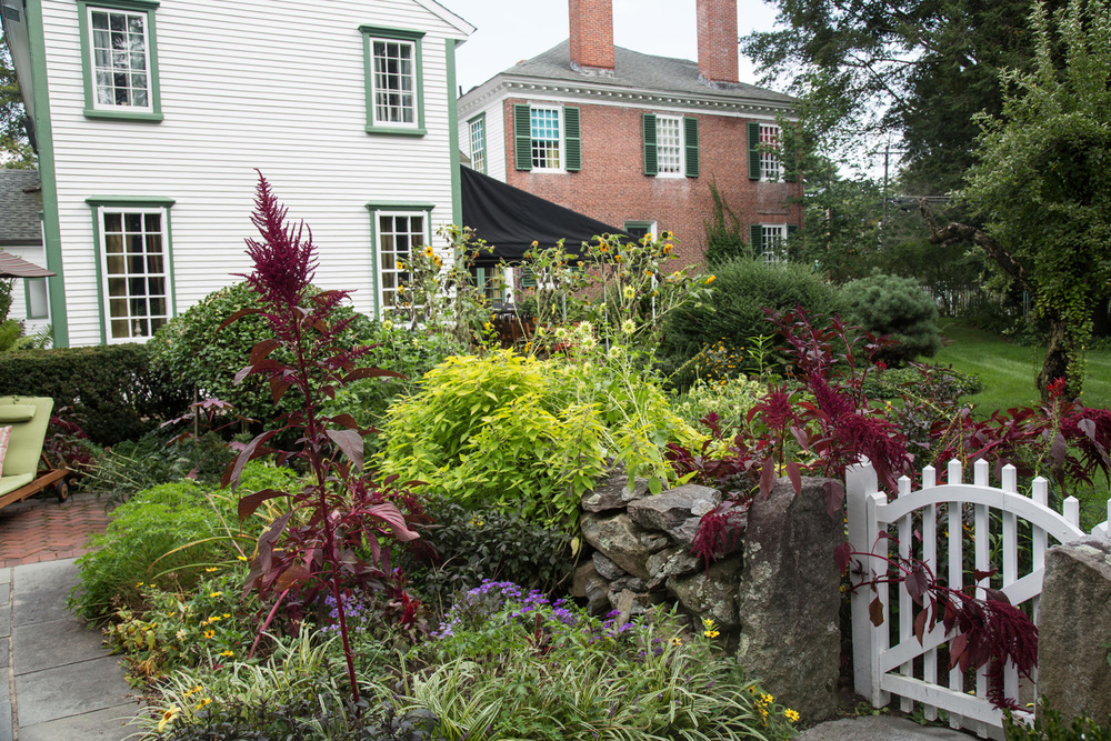 John de Lellis Gardens 913.jpg
