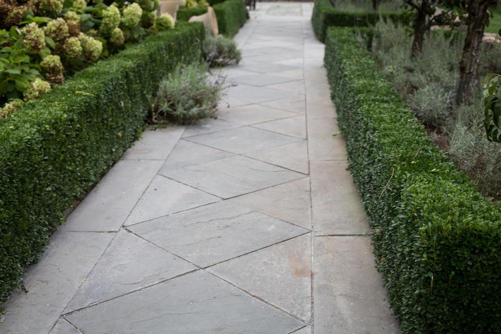 John de Lellis Gardens 82.jpg