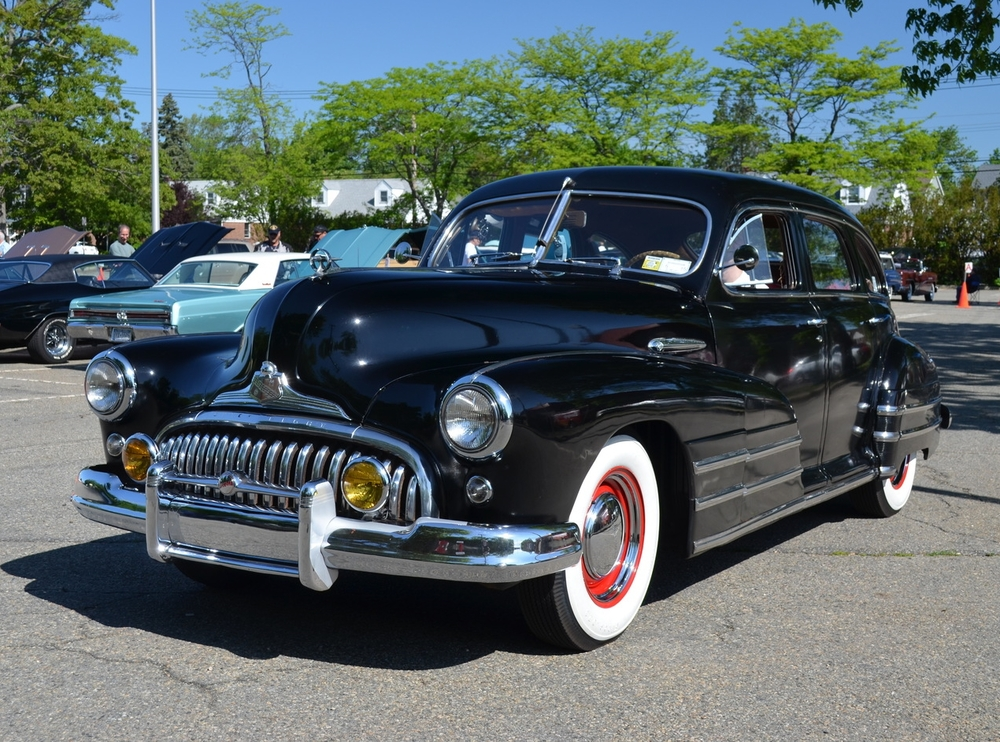 Frank & Dolores Tedesco: 1947 Special Sedan