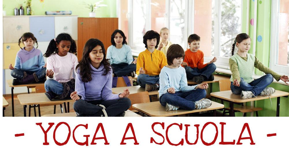 banner yoga a scuola1.jpg