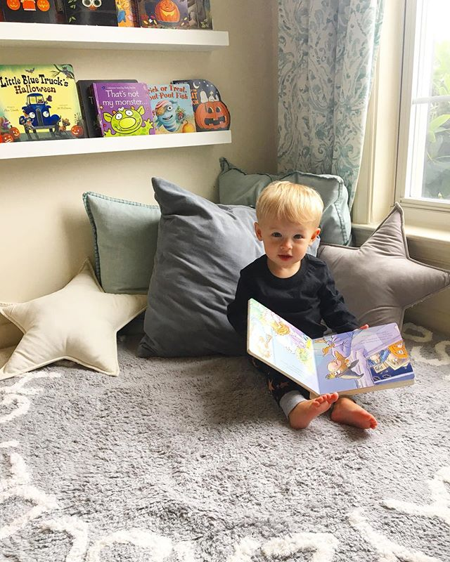 Rainy day reads with this little monkey! 🧡