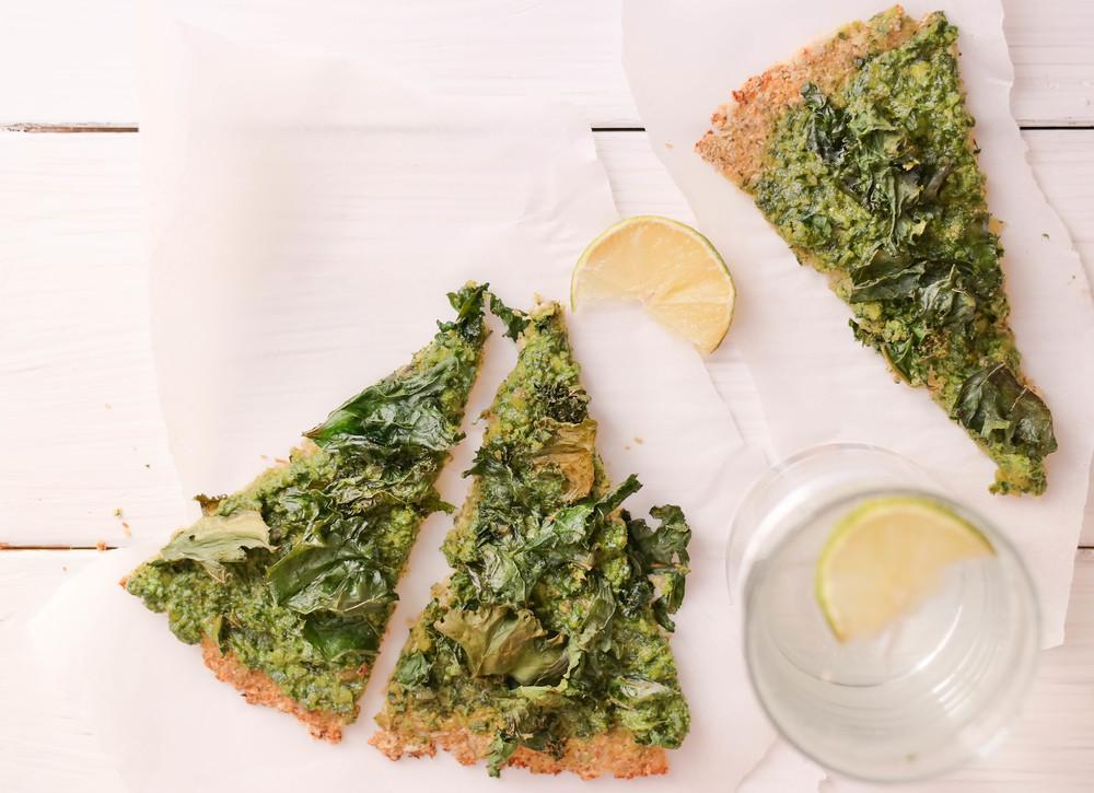 2-Pesto-and-Kale-Cauliflower-Pizza-Crust | www.8thandlake.com