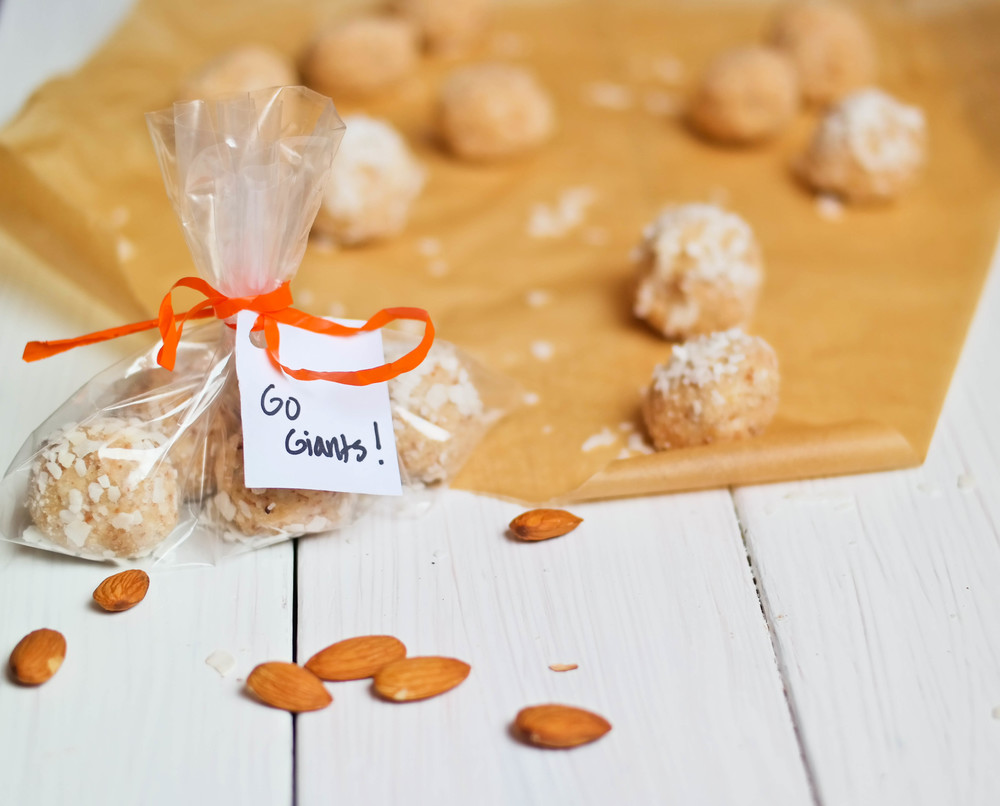 Coconut-Macaroon-Bites | www.8thandlake.com