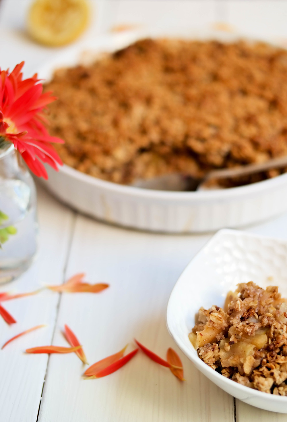 5-Fall-Apple-and-Ginger-Crisp | www.8thandlake.com
