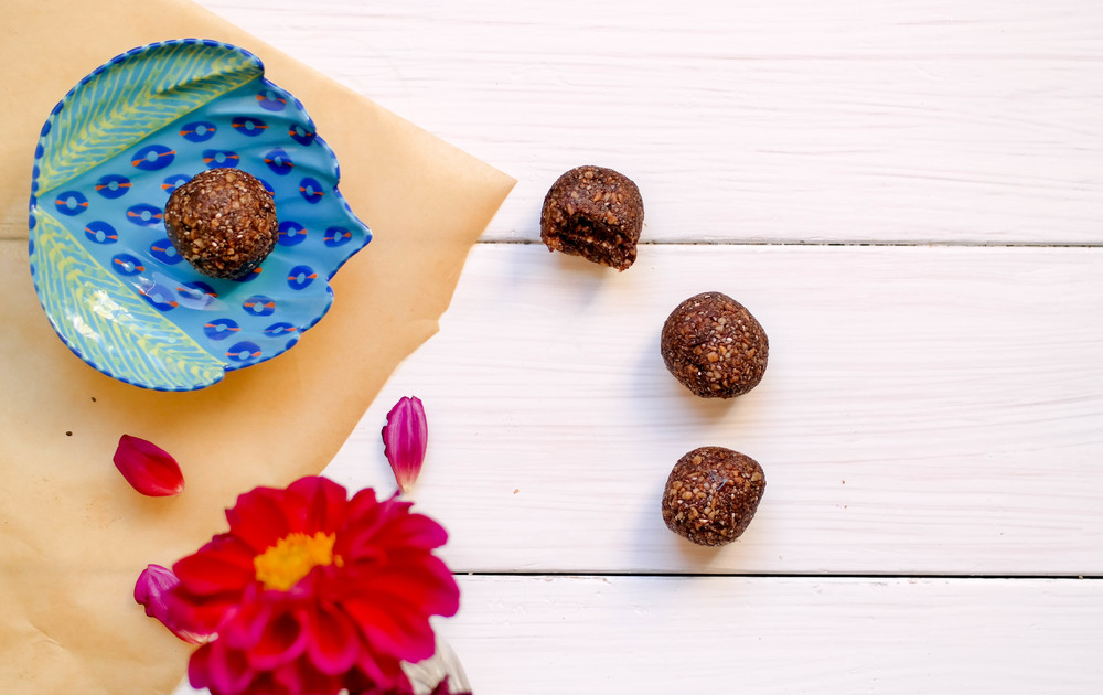 2- Nut-Free Cacao Energy Bites | www.8thandlake.com