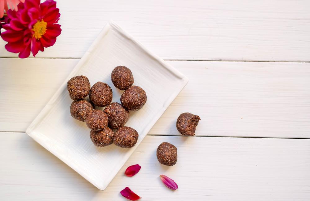 3-Nut-Free Cacao Energy Bites | www.8thandlake.com