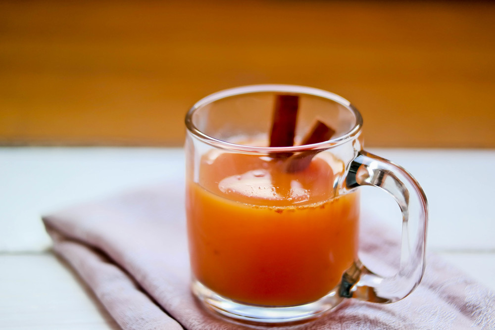 3-Warming-Apple-Cider-And-Persimmon-Juice | www.8thandlake.com
