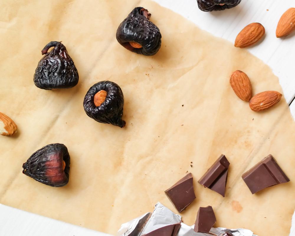 2-Chocolate-Covered-Figs | www.8thandlake.com