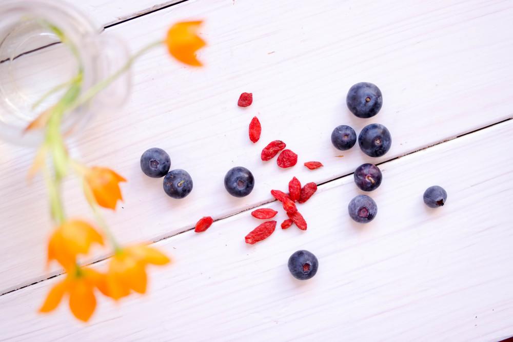5-A-Cherry-Strawberry-Smoothie-Bowl | www.8thandlake.com