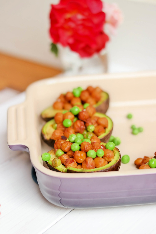 2-Stuffed-Avocado-with-Chili-Chickpeas | www.8thandlake.com