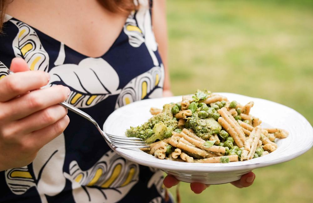 5-Pesto-Pasta-with-Peas-and-Broccoli | www.8thandlake.com