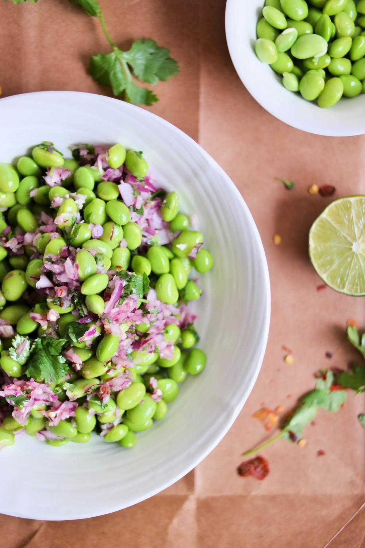 2-Edamame-guacamole-sans-avocado | www.8thandlake.com