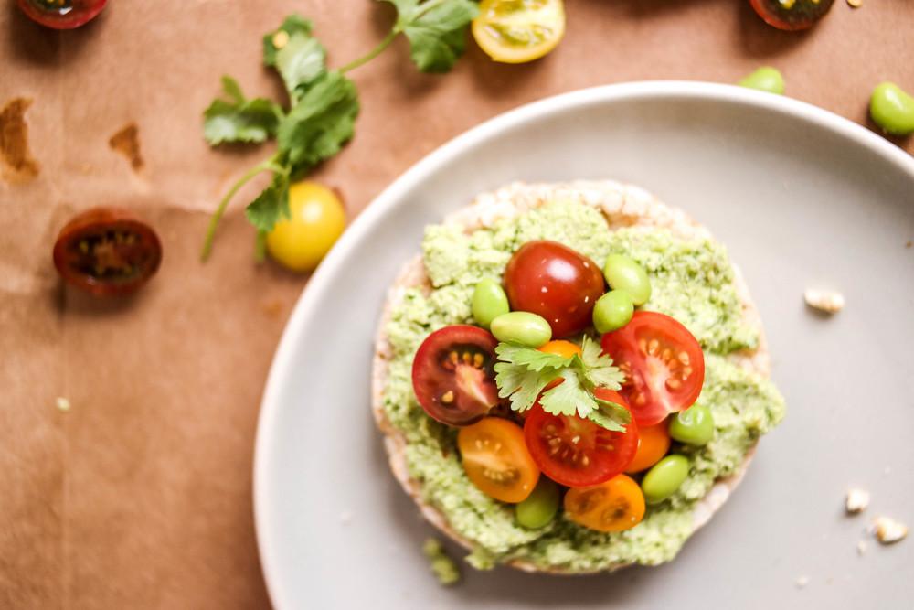 4-Edamame-guacamole-sans-avocado | www.8thandlake.com