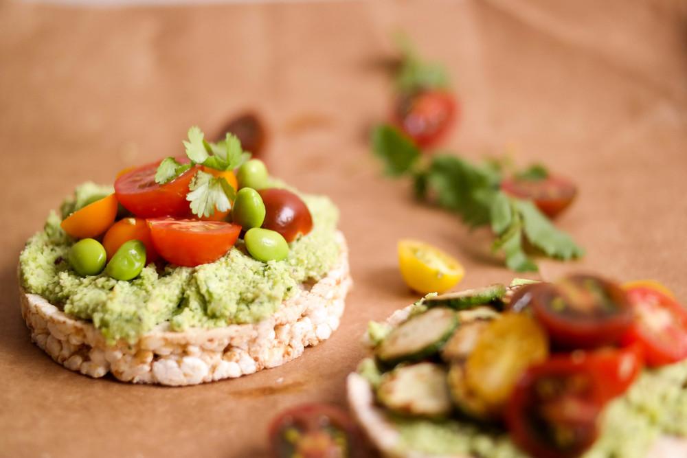 5-Edamame-guacamole-sans-avocado | www.8thandlake.com