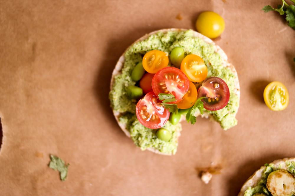 6-Edamame-guacamole-sans-avocado | www.8thandlake.com