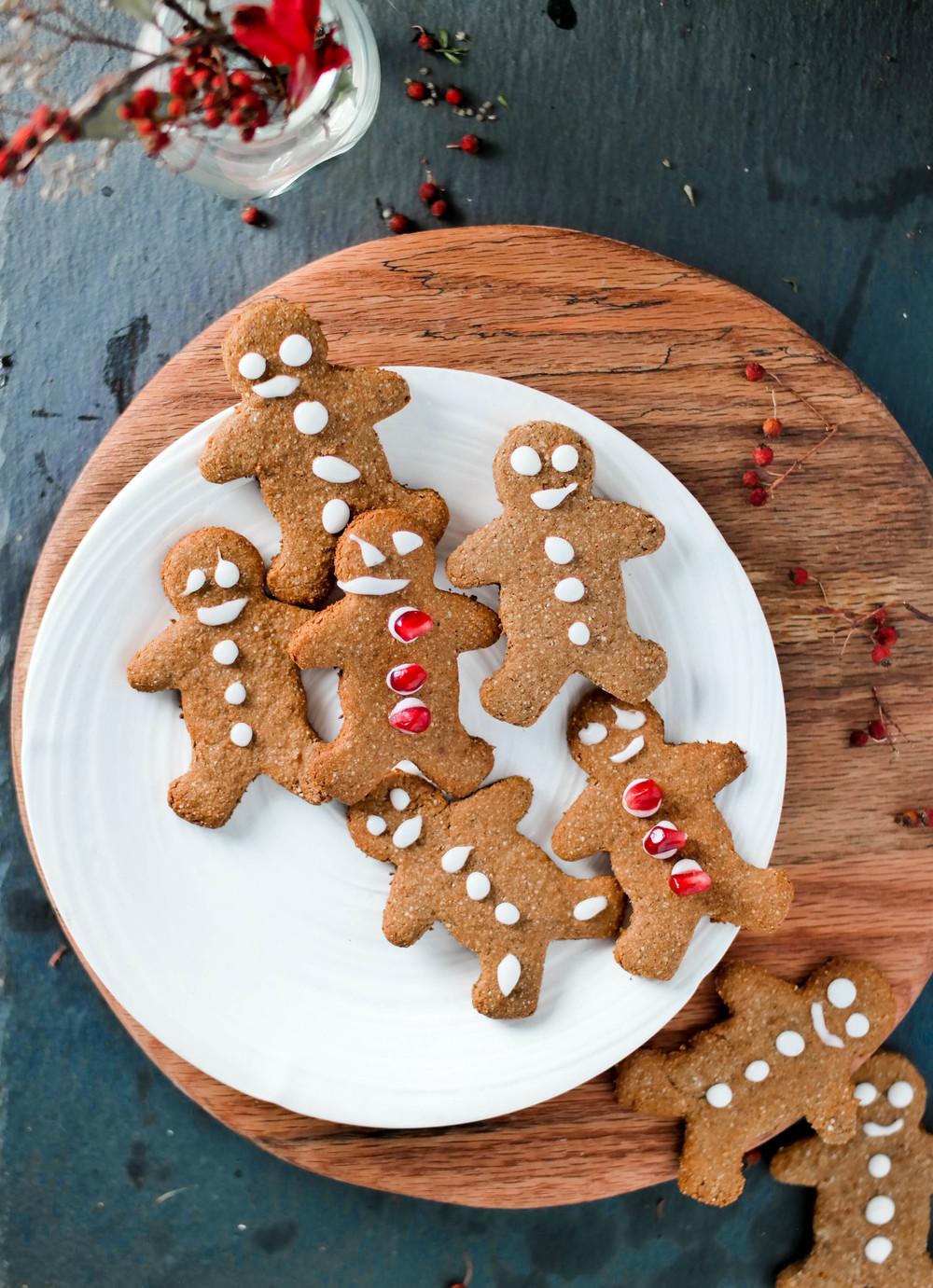5-4-Gingerbread-men | www.8thandlake.com