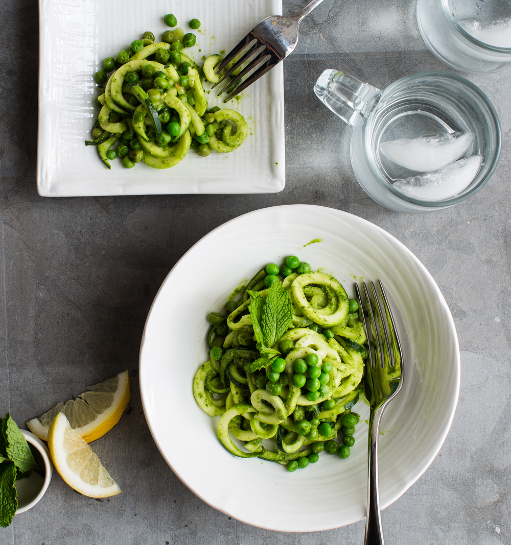 www.8thandlake.com | Zucchini noodle pasta with pesto