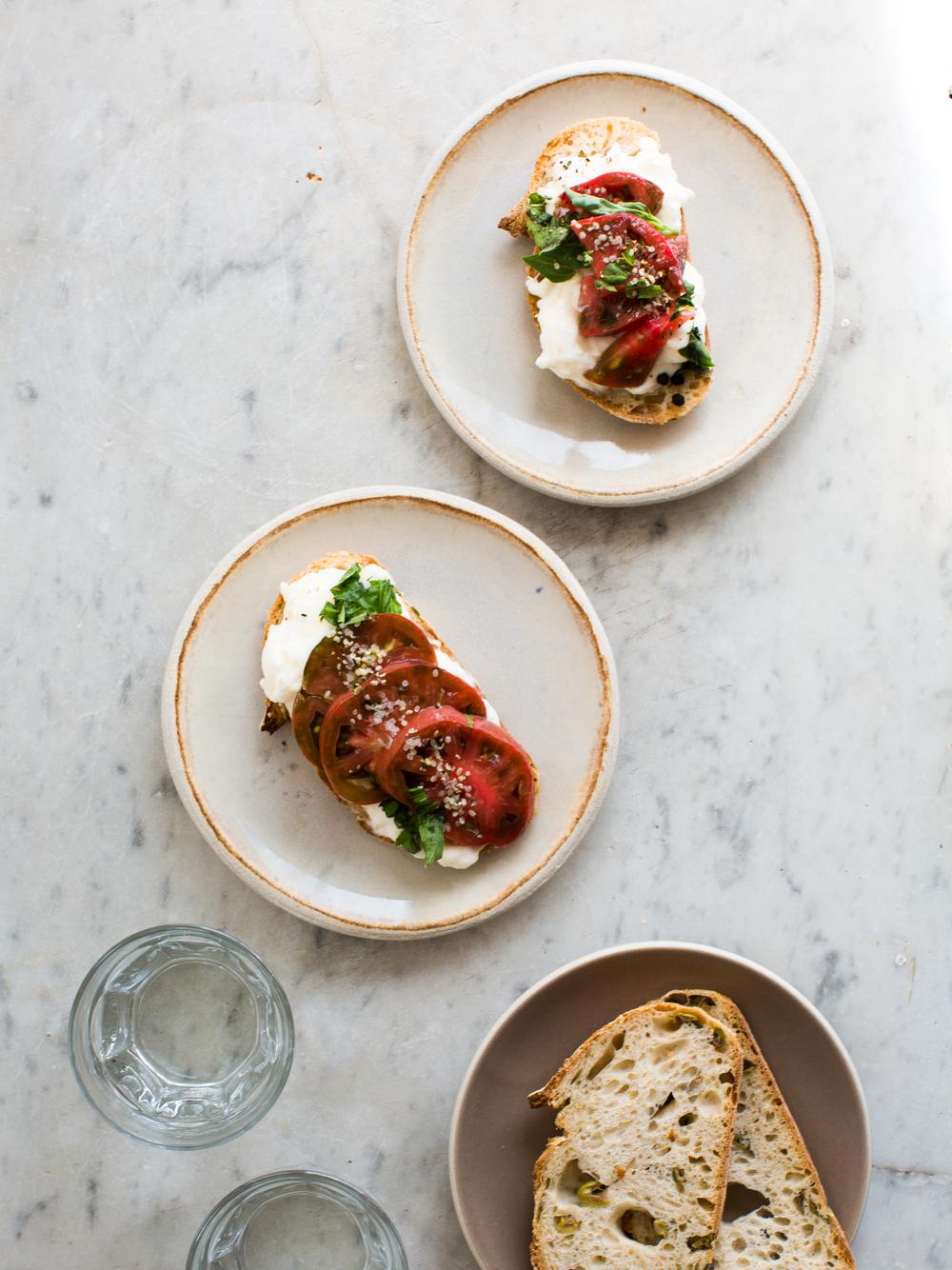 Tomato-and-Burrata-Sourdough-Toast | www.8thandlake.com