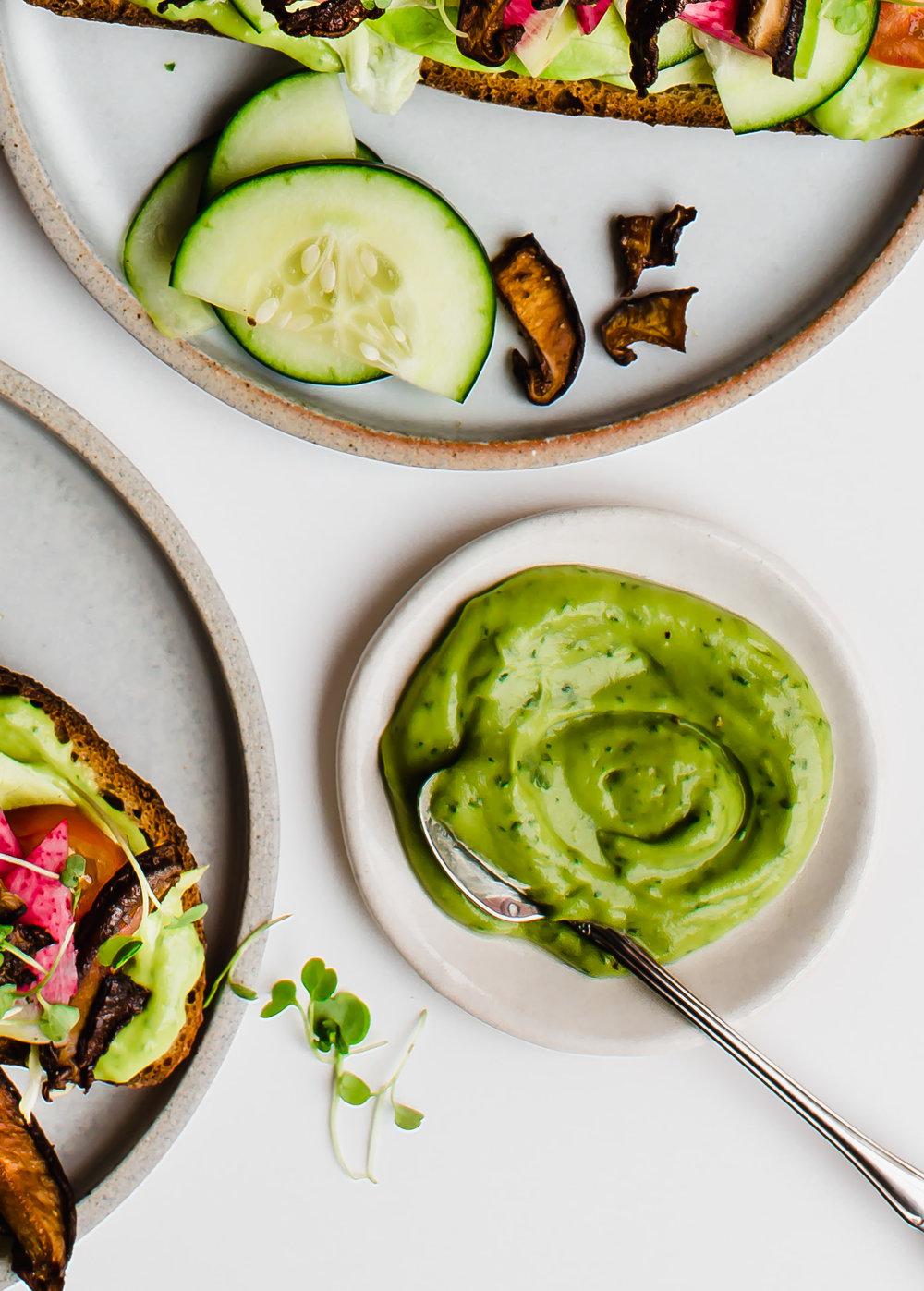 1-Kombucha-avocado-dressing | www.mariereginato.com