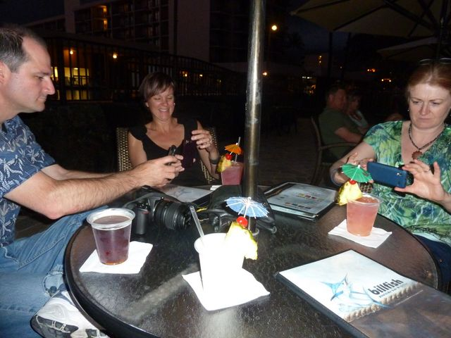 Jeff, Leanne and Elaine all take pictures of their cocktails too!