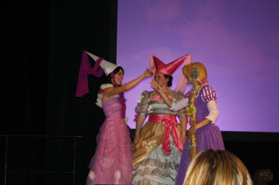 Rapunzel decides to teach them how to paint!