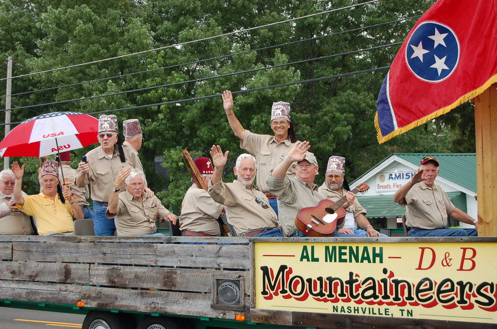 GREENBRIER PARADE 131.JPG