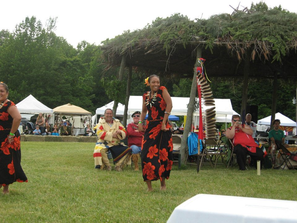 Honoring Our Veterans 1 hula dancers.jpg