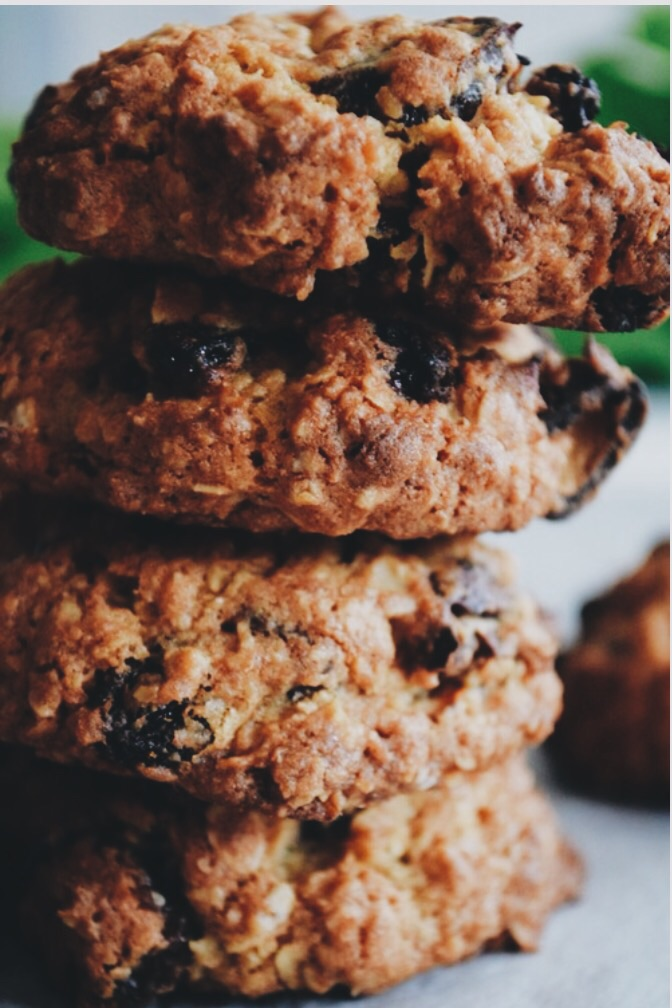 Oat & raisin biscuits