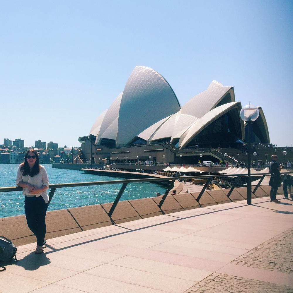 Sydney Opera House Ruby & Cake