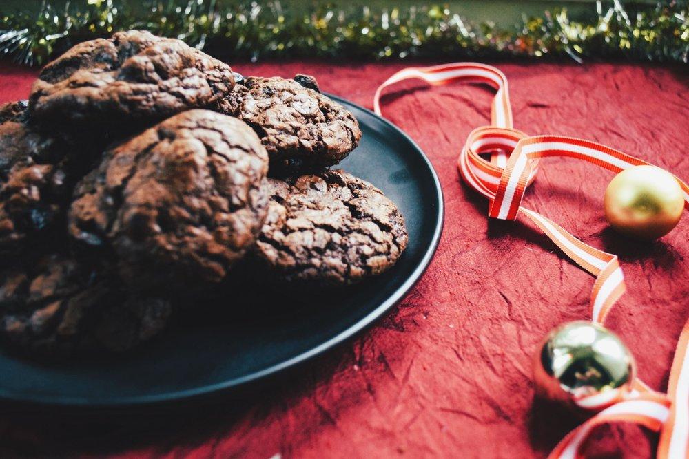 chocolate cherry christmas cookies