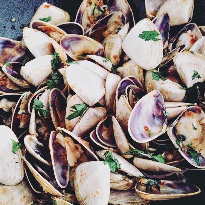 Clams in Lemongrass Broth