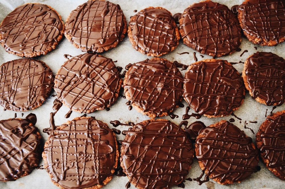 Homemade Chocolate Digestives (HobNobs)
