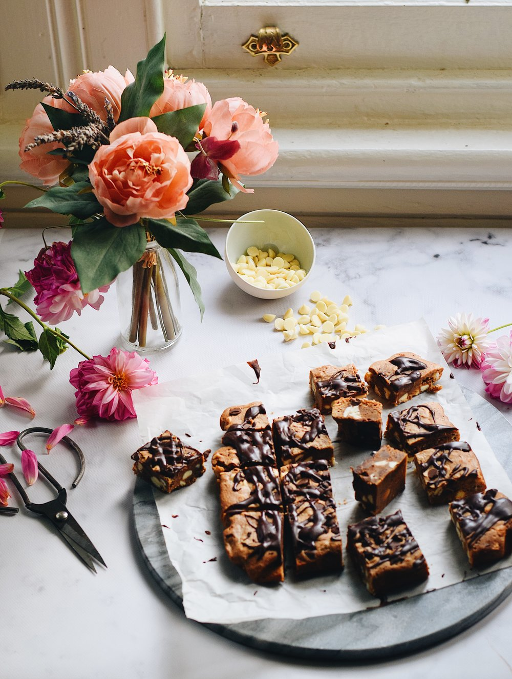 Brown butter cardamom blondies