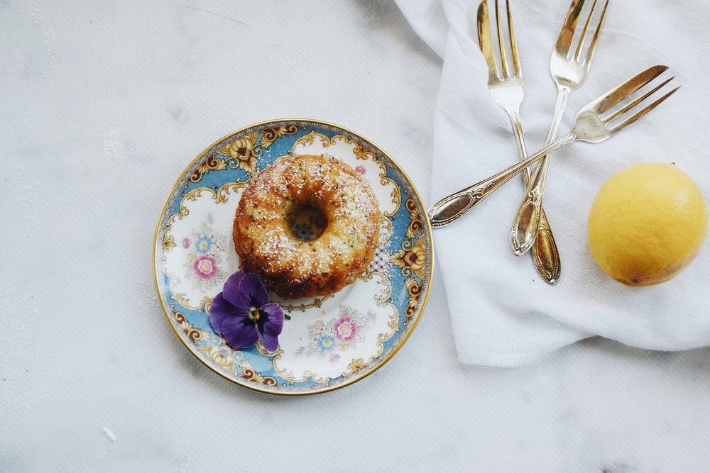 Springtime mini cakes