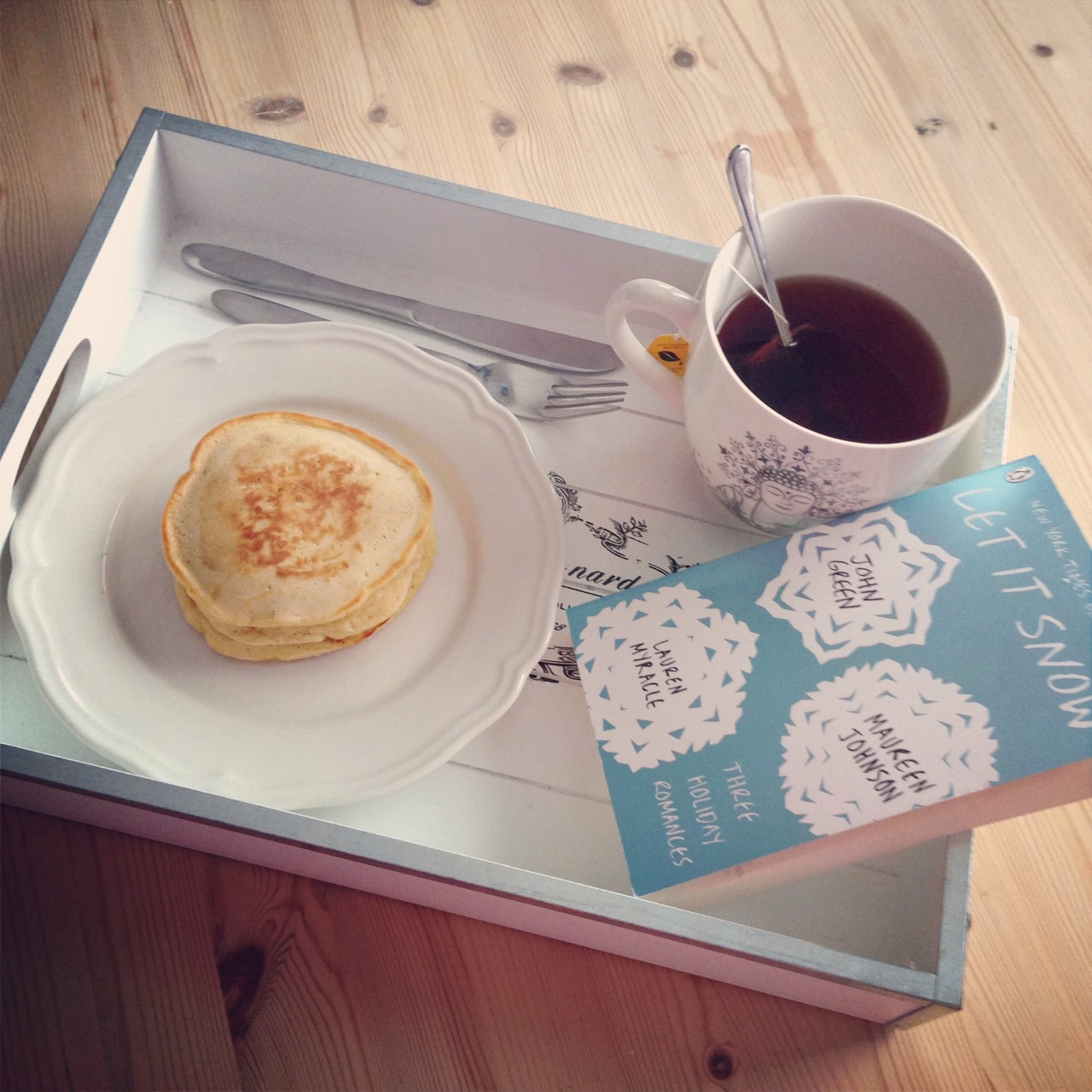 fitforfightx: This was much needed after a long workout! Healthy pancakes, some tea and a good book 👍 THIS LOOKS CLASSY.