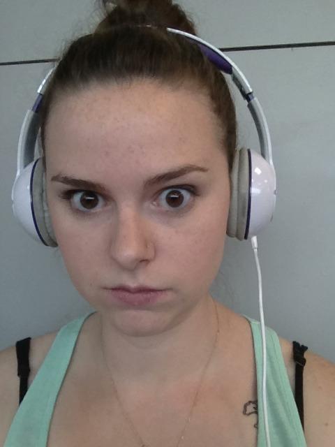 luckykeelin: Bored in laguardia so Im practicing my Maureen Johnson stare. How am I doing? 9/10