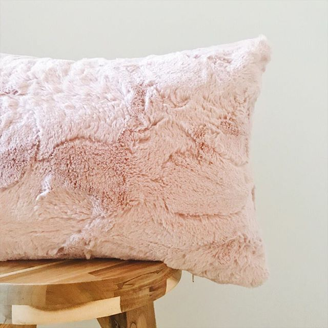 Pretty and Pink! 💘 This supersoft pink pillow cover is 15% off today! It's available in two sizes. . . . . #etsyseller #homedecor #shopsmall #homesweethome #thesablefox #pillowlove #throwpillowcover #throwpillowsfordays #hygge #smallbusiness #foryourhome #pillowlover #machinewashable #interiordesign #decorlove #nebraskagram #livecolorfully #thatsdarling #throwpillows #interior4all #softpillows #smallbiz #interiorinspo #etsyshop #valentinesdaysale #pinkpillows #valentinesday #etsysale #etsyshopsale