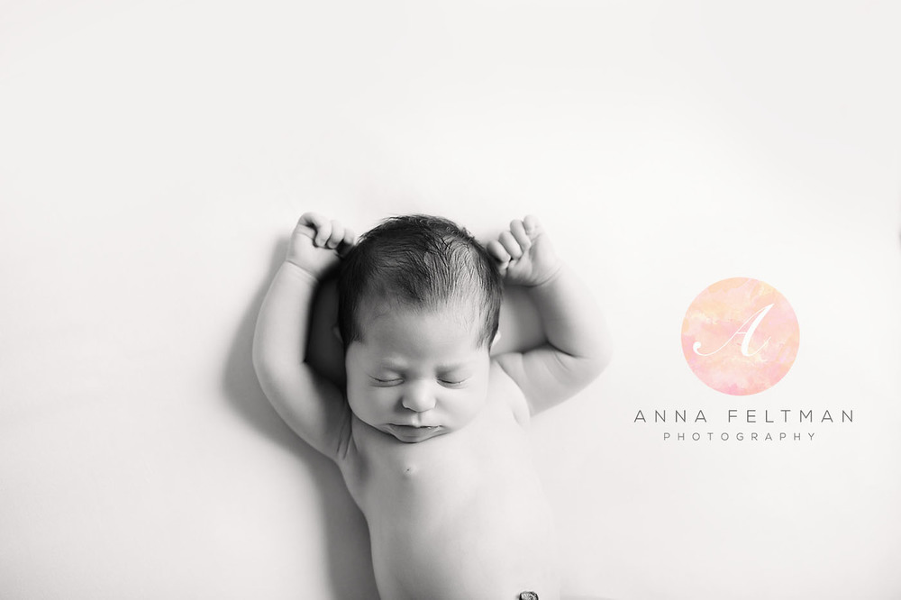 Black and White Photographer Orlando Newborn.jpg