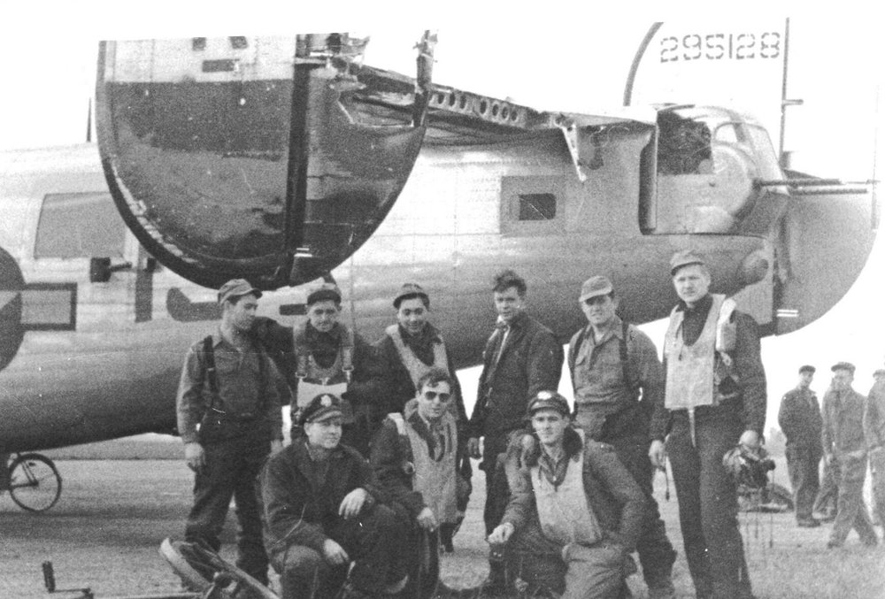 The Bruce crew, minus copilot Bill Brown, immediately after their fateful August 1944 mission aboard the Bonnie Vee. Calvin Hess stands in back, 2nd from left. Photo courtesy Tim Hess