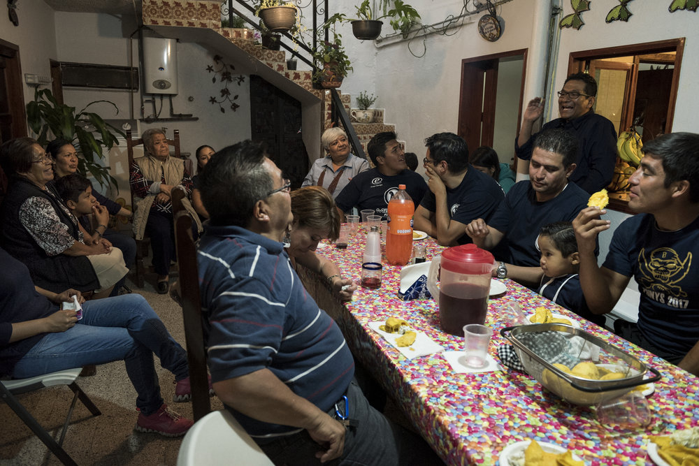 The Rios brothers – Raul, Rodrigo, and Roberto – play for the Mayas, and the family gathers after every game for a meal at their grandmother's house.