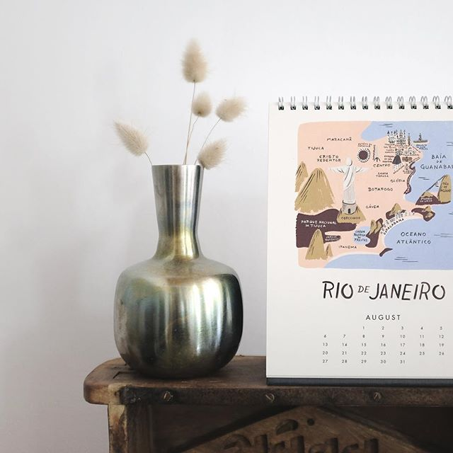 So hot today in Lyon! Maybe my calendar is right about the place I'm in! ☀️😓🤤😜 #sohottoday #brazil #interiordesign #homedecoration #homesweethome #riodejaneiro #travel #travelling #travellingwithoutmoving #fujifilm #fujifilm_xseries #x100t #still_life_gallery #riflepaperco #bonnesoeurs