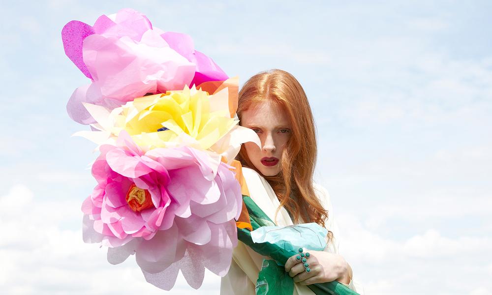 Diy giant paper flowers tutorial caboodle magazine mightylinksfo
