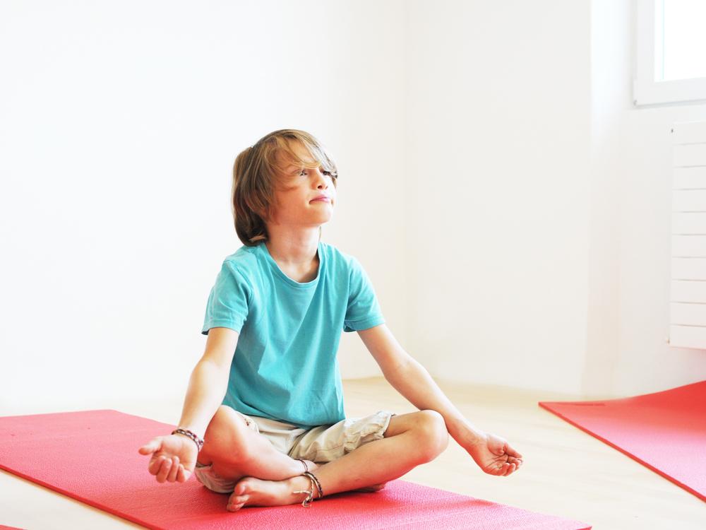 ©www.illoa.ch.kids.yoga.jpg