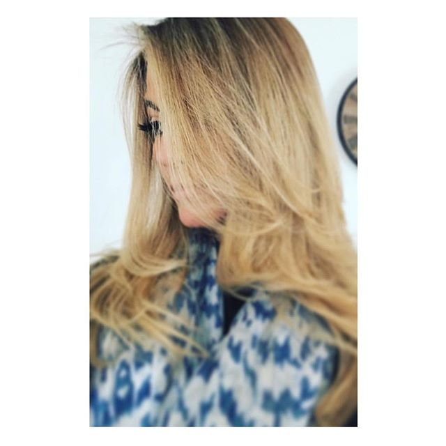 When you can still see my gorgeous clients lashes through her beautifully thick fresh locks! #thatslashes #eyelashes #bondilashes #babe #hair #lashes #eyes #beauty #hottie #thicklashes #bondibeauty @chloemoras @chloerocksvaucluse