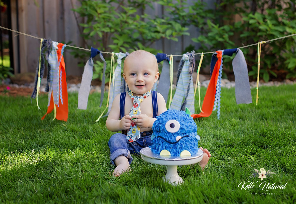 photo ideas little boy birthday.jpeg