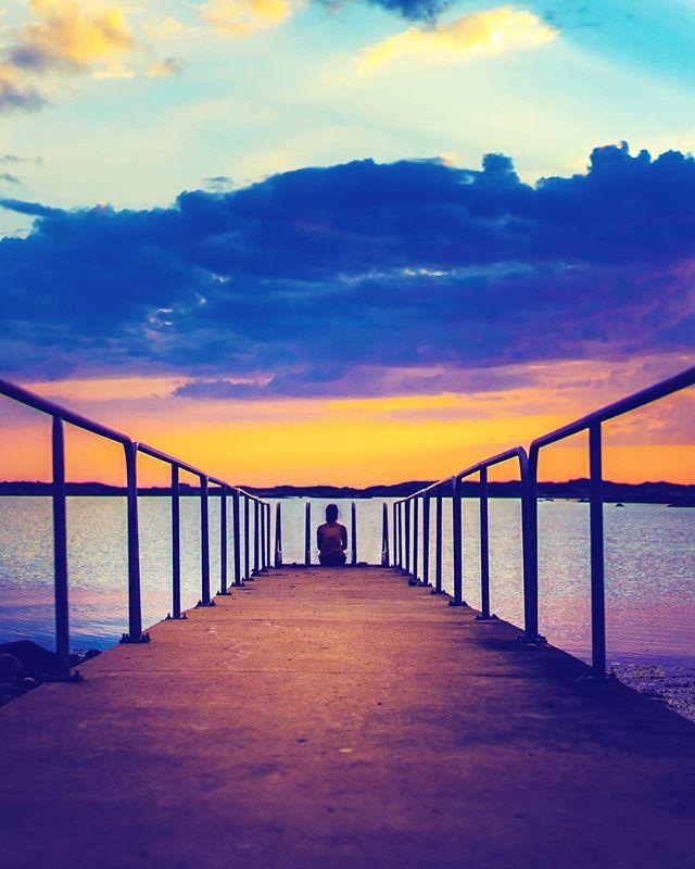 Summer I miss you /////........ #justgoshoot  #jobyambassadors  #jobyinc  #lowprobags #murderdotcom #sunset #wethecreators #instadaily #sonyAlpha #beautifuldestinations #Beach #exploretocreate #LensDistortions #lifeofadventure #wanderlust  #hypebeast  #hslife #hsdailyfeature #outside_project  #lifeofadventure #vscocam #exploretocreate  #killer_motions #igmasters #500px #livefolk #streetdreamsmag  #sonyimages #artofvisuals #thecreatorclass