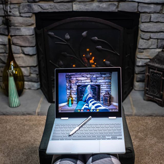 My daughter chilling by the fire 🔥on a snowy day 🌨️ with my #giftfromGoogle a fresh #Pixelbook , my children take everything. //// 👩‍💻💻 @madebyGoogle  #teampixel #madebyGoogle #Google #laptop #tablet #Googlehardwarestore #pixelpen #Googlepixelbook #4in1 #chrome #GoogleAssistant #Googlepixel3 #family #winter #snow