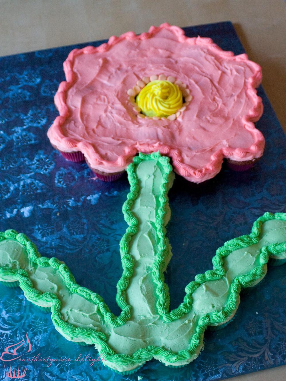 Eliyana's 1st Birthday Cupcake Cake