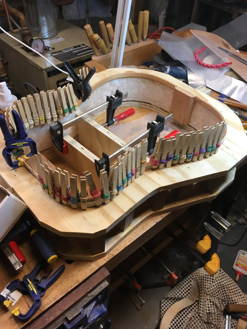 Gluing linings guitar maple dreadnought